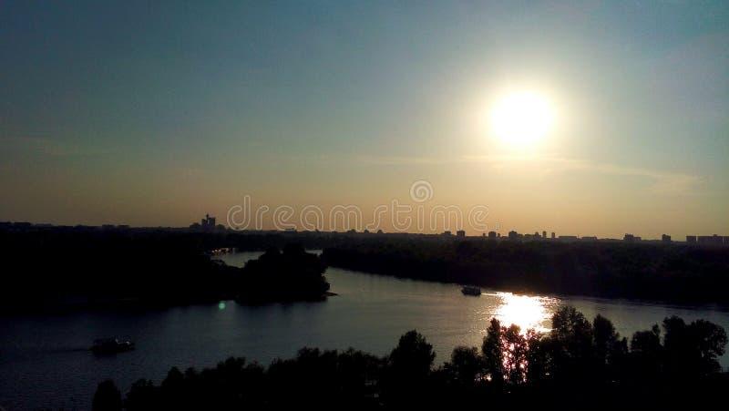 De zonsondergang van Belgrado stock fotografie