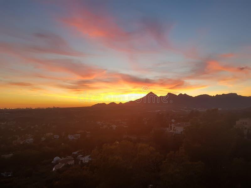 De zonsondergang van de berg royalty-vrije stock foto's