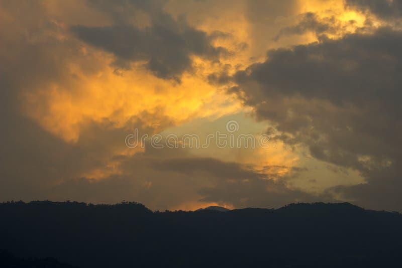 De zonsondergang van de berg Bergdageraad royalty-vrije stock foto's