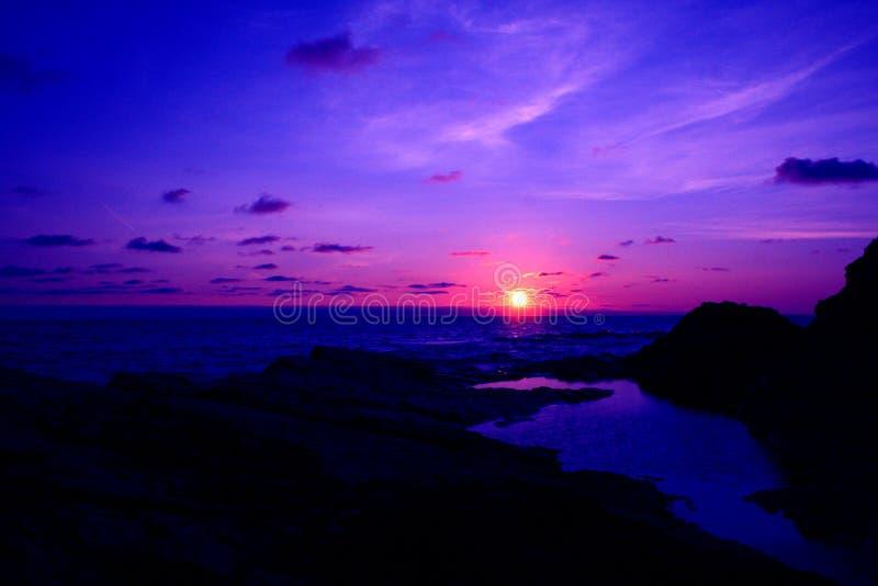 De Zonsondergang van Cornwall stock afbeeldingen