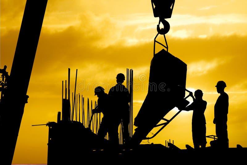 De zonsondergang van de bouw