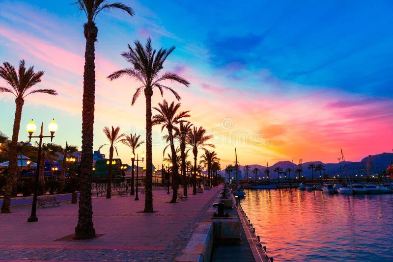 De zonsondergang van de de havenjachthaven van Cartagena Murcia in Spanje stock foto's