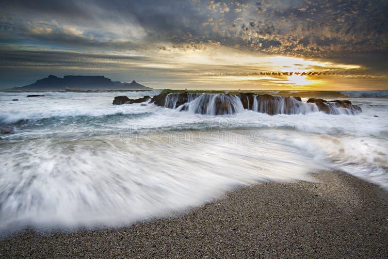 De Zonsondergang van de lijstberg stock foto's