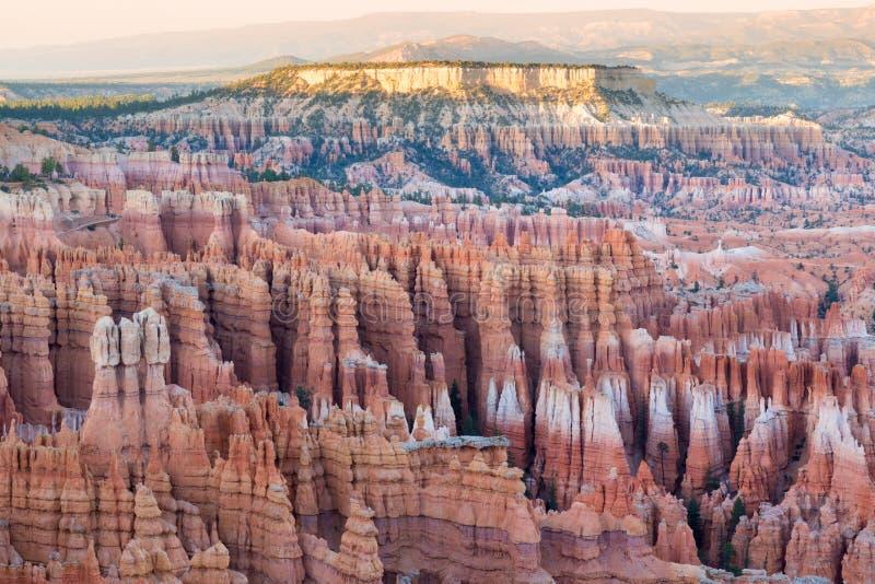 De Zonsondergang van het inspiratiepunt Bryce Canyon National Park, Utah, de V stock foto