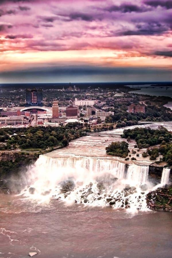 De Zonsondergang van het Niagara Falls royalty-vrije stock afbeeldingen