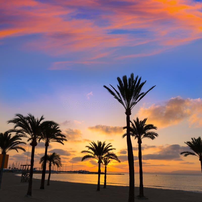De zonsondergang van het sArenalstrand van Majorcagr Arenal dichtbij Palma stock fotografie