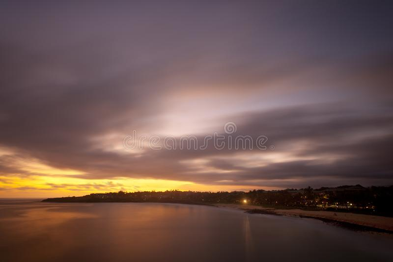 De Zonsondergang van het schipbreukstrand, Kauai stock foto's