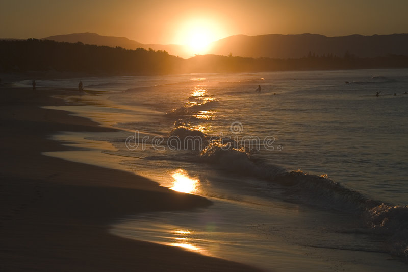 De Zonsondergang van het Strand van Byron stock fotografie