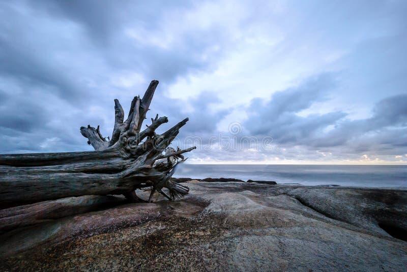 De zonsondergang van het Uvongostrand stock fotografie