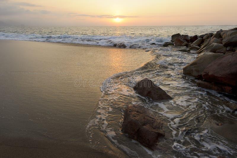De zonsondergang van het zeegezicht royalty-vrije stock foto