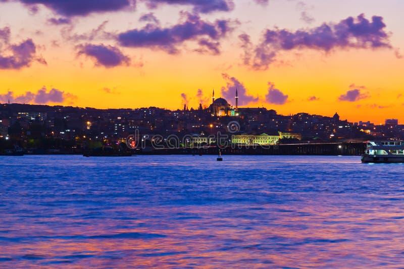 De zonsondergang van Istanboel Turkije stock afbeelding