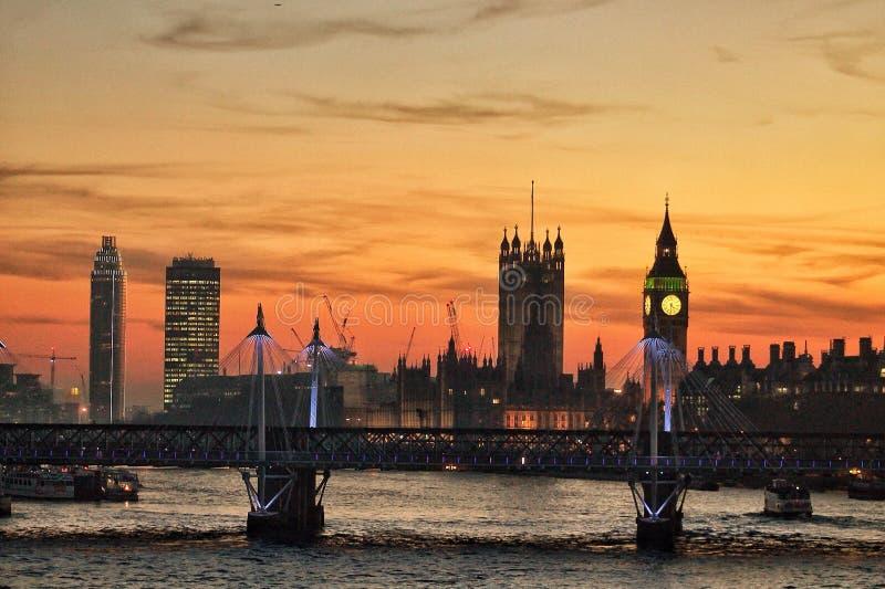De zonsondergang van Londen royalty-vrije stock afbeelding