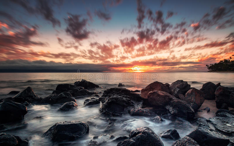 De Zonsondergang van Maui, Hawaï royalty-vrije stock foto's