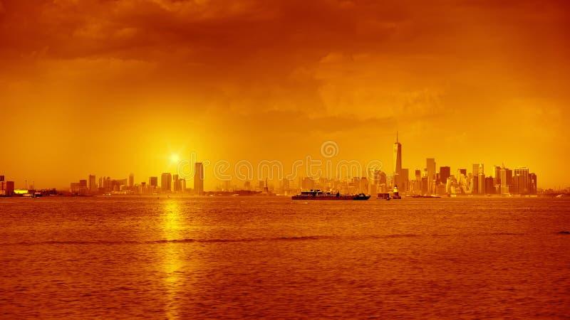 De Zonsondergang van New York stock afbeeldingen