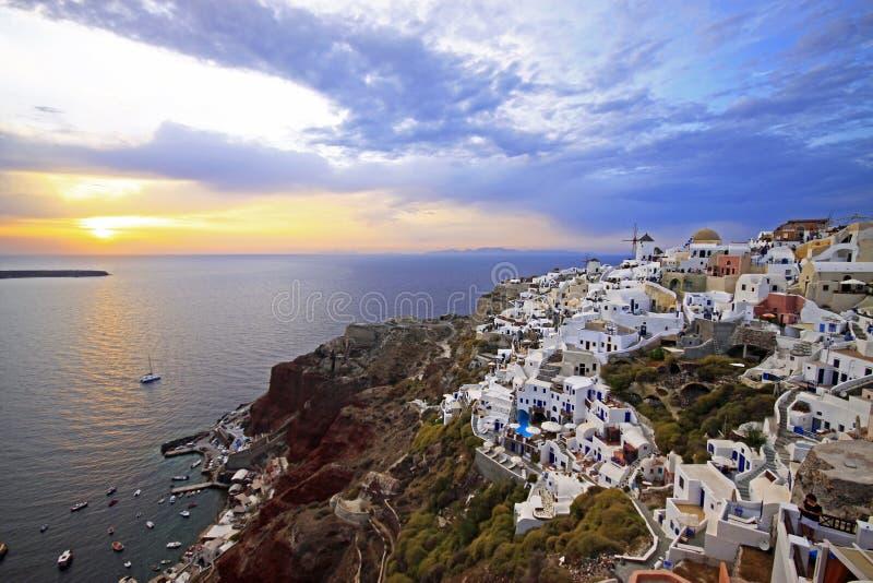 De zonsondergang van Santorini stock afbeelding