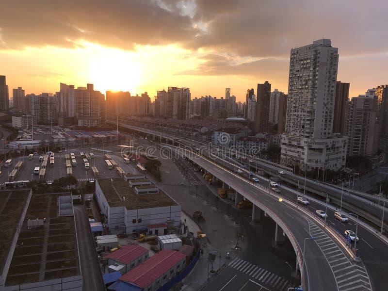 De zonsondergang van Shanghai stock afbeelding