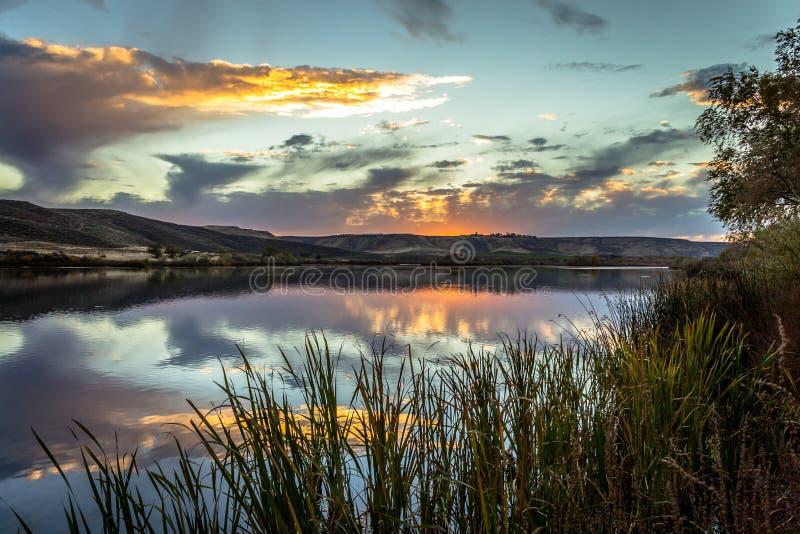 De Zonsondergang van de slangrivier stock afbeeldingen