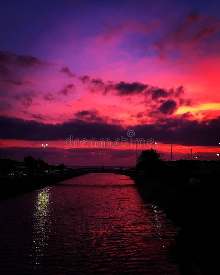 De zonsondergang van Toscanië royalty-vrije stock fotografie