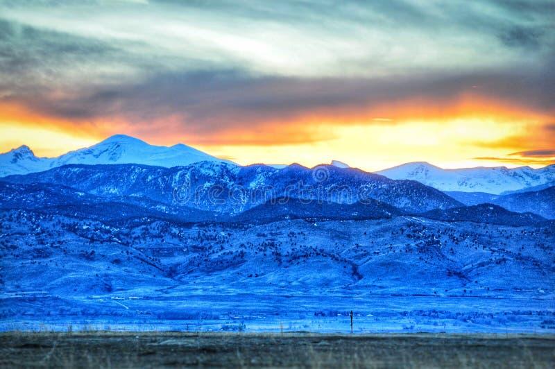De zonsondergang van vooruitzichtrocky mountain stock afbeeldingen