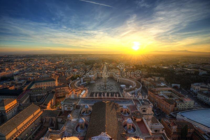 De Zonsondergang Vatikaan van Rome stock afbeeldingen