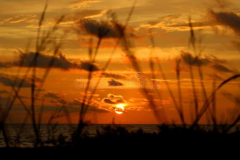 De zonsondergang westren binnen aceh, Indonesië royalty-vrije stock foto