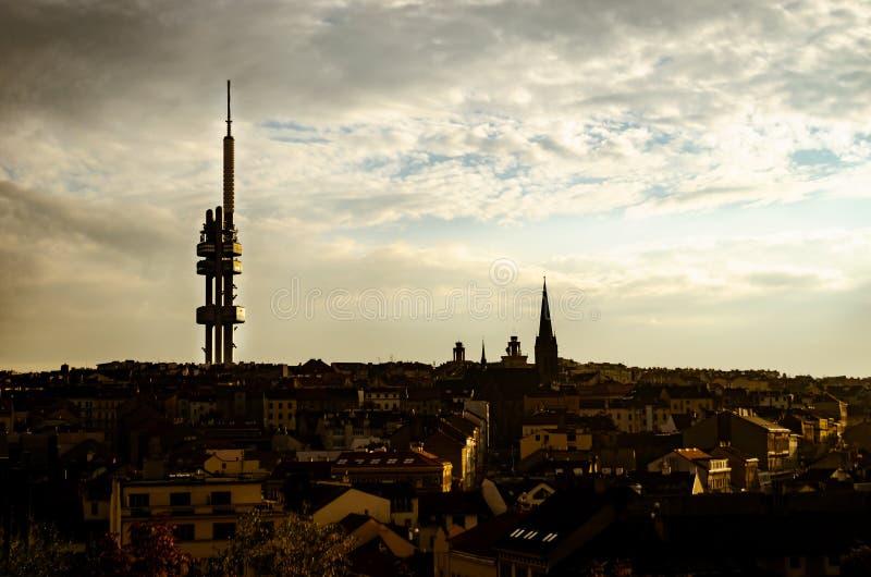 De zonsonderganglandschap van Praag stock fotografie