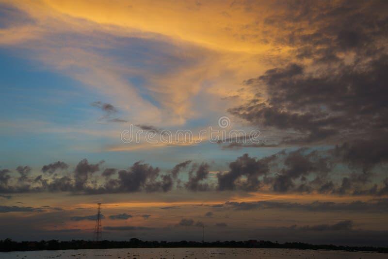 De Zonsopgang van de het Saprivier van Kambodja Tonle royalty-vrije stock foto