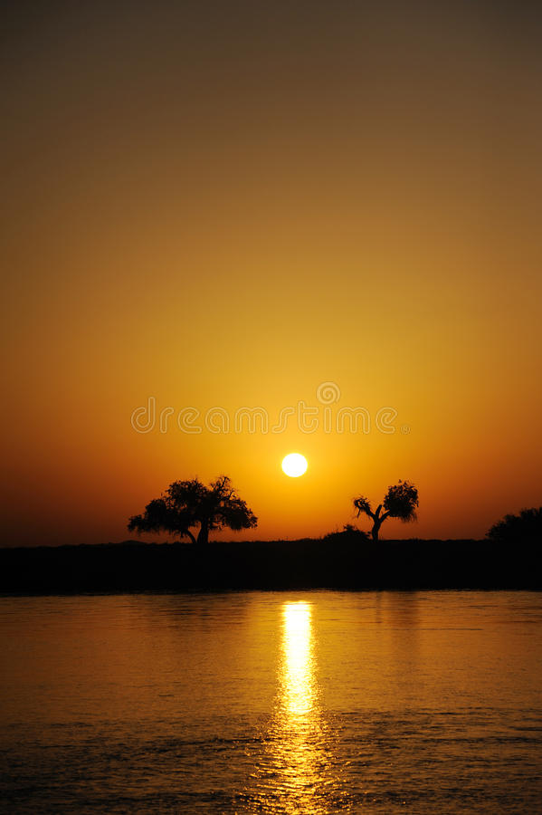 De zonsopgang van de rivier royalty-vrije stock foto's