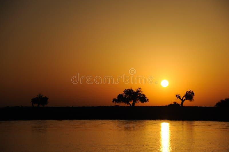 De zonsopgang van de rivier royalty-vrije stock foto