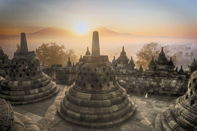 De zonsopgang van de Tempel van Borobudur in Indonesië stock fotografie