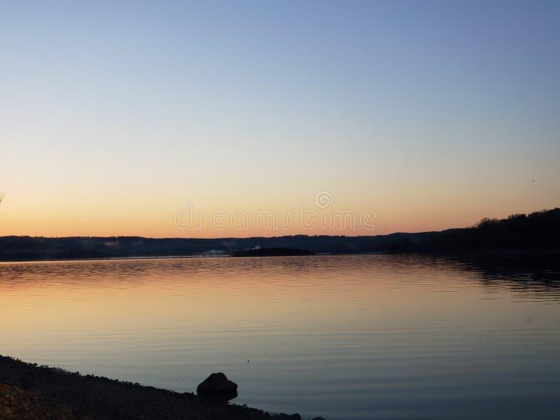 De zonsopgang van het Bransonmeer royalty-vrije stock foto's