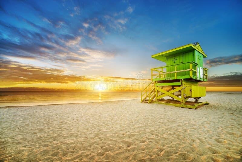De zonsopgang van het het Zuidenstrand van Miami stock fotografie