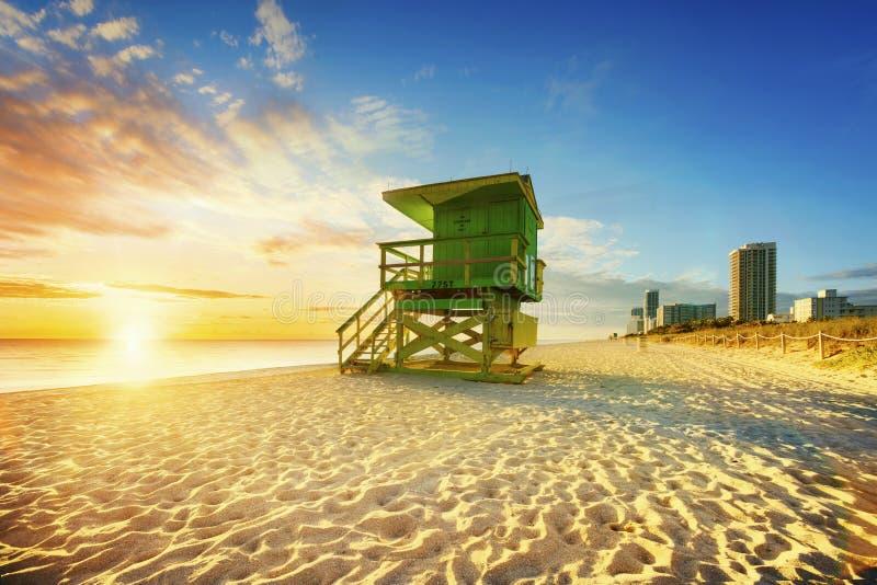 De zonsopgang van het het Zuidenstrand van Miami stock afbeeldingen