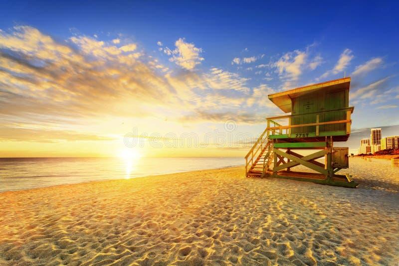 De zonsopgang van het het Zuidenstrand van Miami stock afbeelding