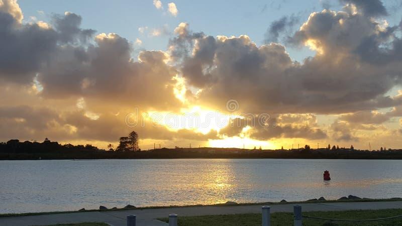 De zonsopgang van Swansea stock afbeeldingen