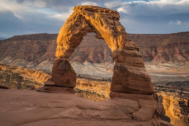De zonsopgangmening van Gevoelige Boog in Utah ` s overspant Nationaal Park Nr royalty-vrije stock fotografie