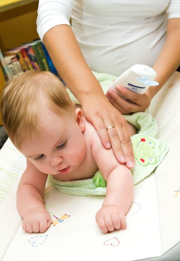 De zorg van de baby royalty-vrije stock fotografie