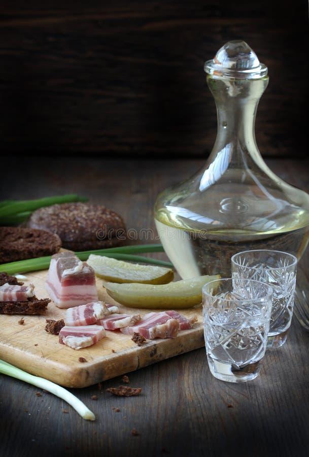 De zoute Russische wodka van het baconvoorgerecht royalty-vrije stock fotografie
