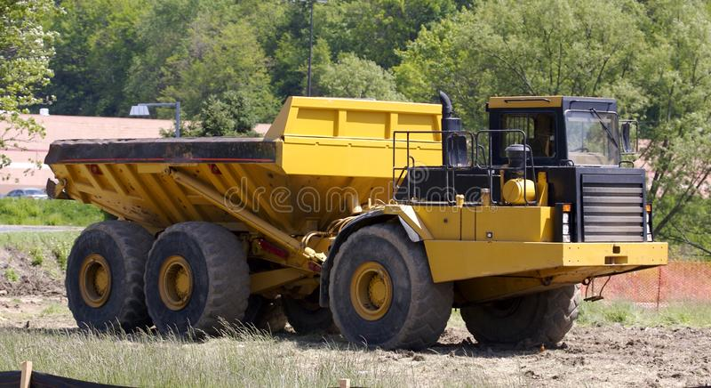 Zware Stortplaatsvrachtwagen stock fotografie