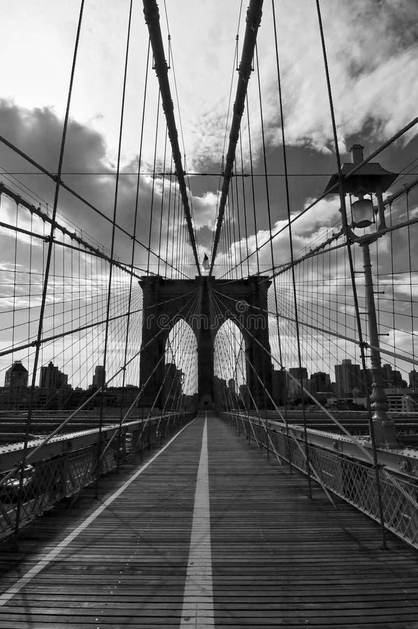 De Zwart-witte Brug van Brooklyn, stock fotografie