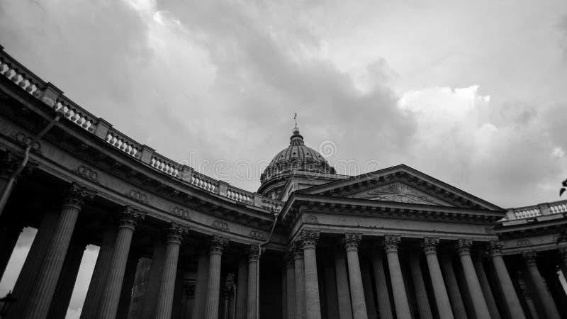 De zwart-witte Kathedraal van St. Petersburg, Rusland, Kazan, royalty-vrije stock foto's