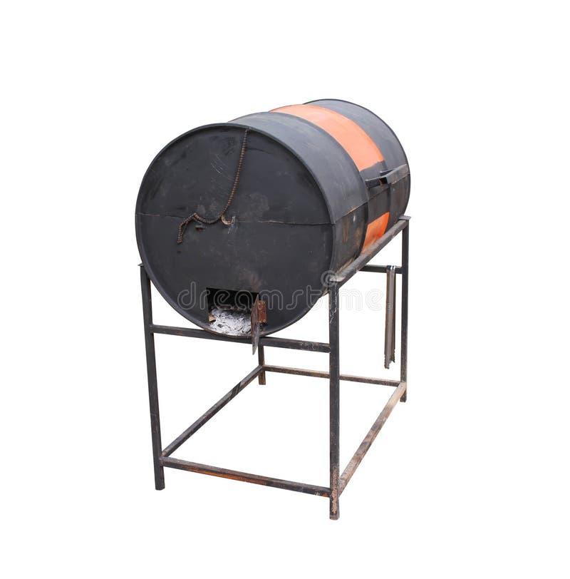 De zwarte met oranje barbecuegrill maakte van oude die gashouder op witte achtergrond met het knippen van weg wordt geïsoleerd stock afbeelding