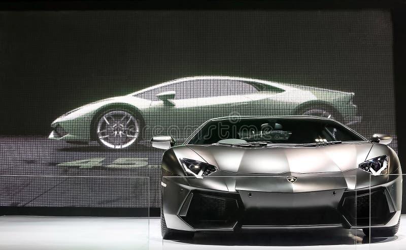 De zwarte super auto van Lamborghini stock afbeeldingen