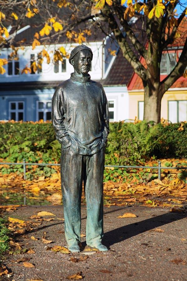 De Zweedse Melancholie - beeldhouw in Malmo stock afbeeldingen