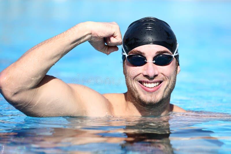 De zwemmer van de sport het winnen royalty-vrije stock afbeelding