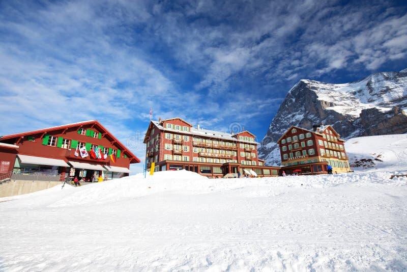 De Zwitserse toevlucht van de ski Alpiene berg met beroemde Eiger, Monch en Ju stock fotografie