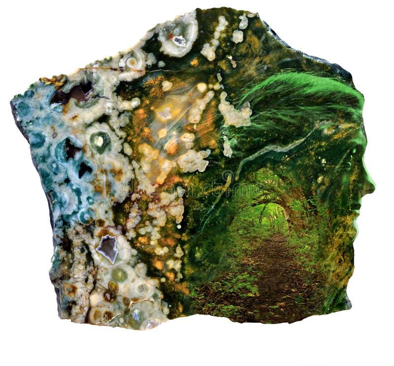 Dea astratta femminile in foresta intarsiata con la pietra dell'agata fotografia stock libera da diritti