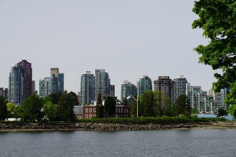 Download Deadman-` S Insel Und Im Stadtzentrum Gelegene Vancouver-Ansicht Redaktionelles Foto - Bild von städtisch, kanada: 106804476