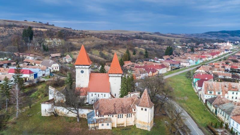 Dealu Frumos a enrichi l'église en Transylvanie, Roumanie photo libre de droits