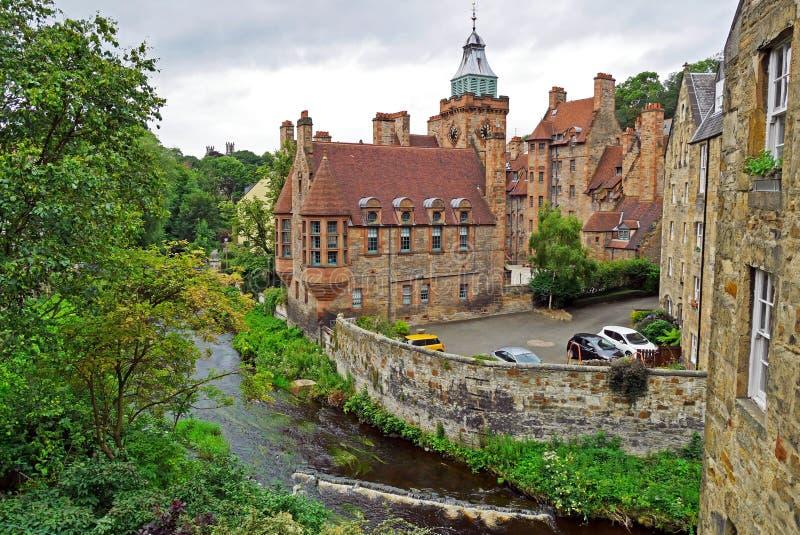 Dean Village langs het rivierwater van Leith in Edinburgh, SCHOTLAND royalty-vrije stock foto's